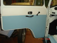 VW Bay Window Camper - Go to www.stanleytrimmers.co.uk for more